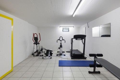 Garage con palestra inclusa
