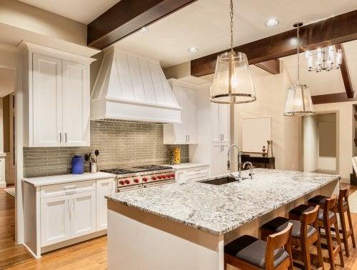 4 splendidi ripiani in granito per la cucina