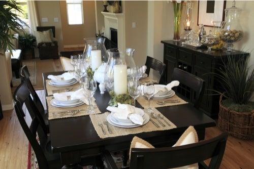 Idee per decorare il tavolo della sala da pranzo