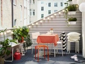 Idee per creare un giardino sul balcone.