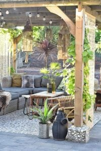 zona relax in giardino - pergolato