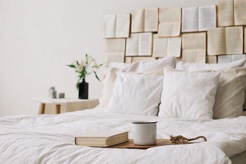 6 idee originali per decorare la casa con i libri