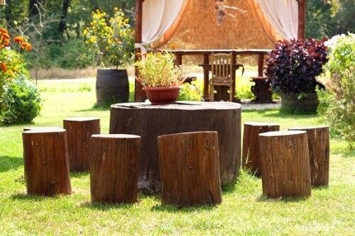Idee per decorare con i tronchi di legno