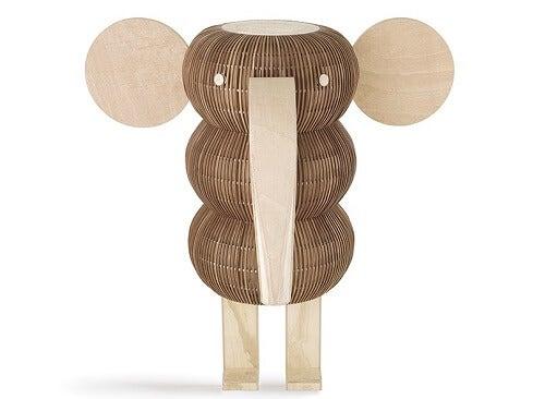 Una lampada in legno impiallacciato a forma di elefante