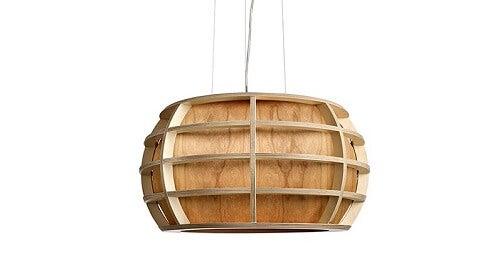 Una Una lampada in legno impiallacciato a cestino