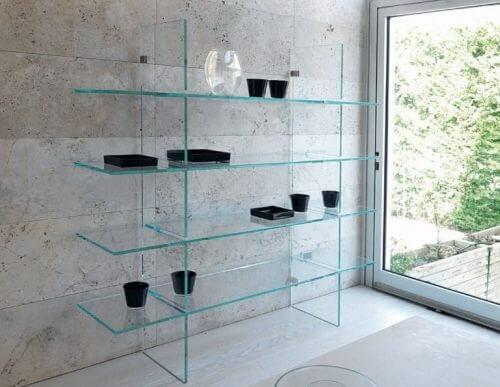 I ripiani in vetro nell'arredamento: eleganti e pratici