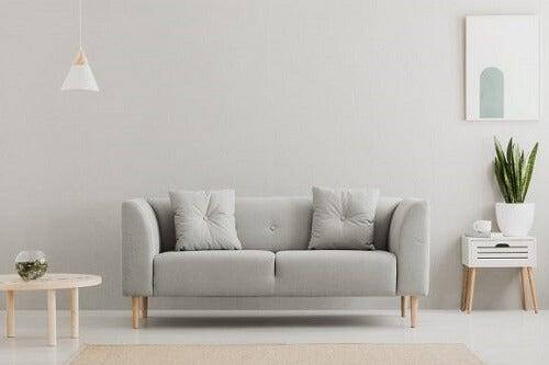 Colori neutri e argento per le pareti: consigli e idee
