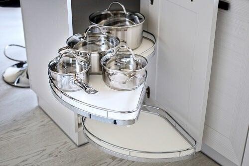 9 mobili ed elementi per fare ordine in cucina