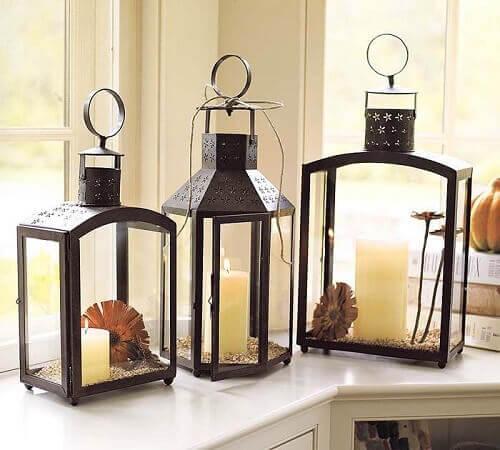 Tre lanterne in ferro battuto