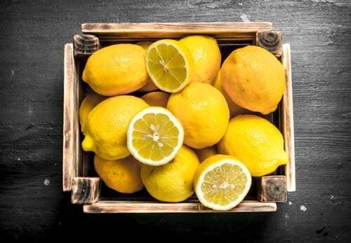 Le cassette di legno per conservare frutta e verdura