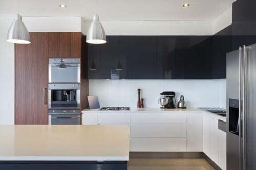Idee per scegliere mobili senza maniglie per la cucina