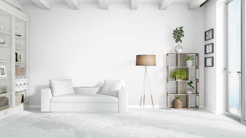 Scegliere i migliori cuscini per un divano bianco
