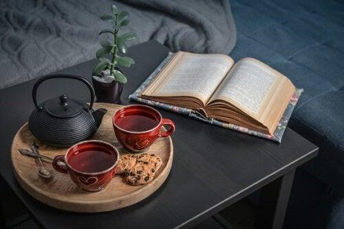 4 trucchi per creare una sala da tè in salotto