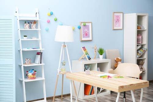 Una zona studio per bambini completa