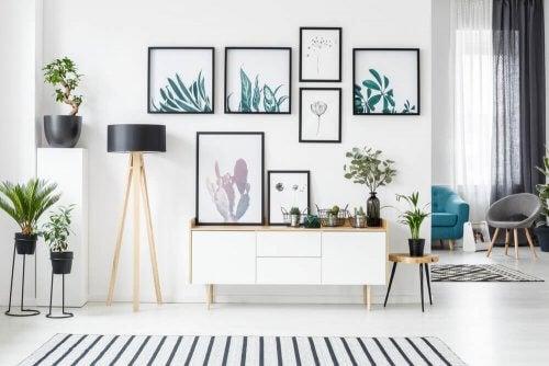 Appendere i quadri applicando il concetto di simmetria