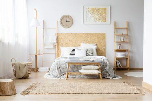 Decorare la camera da letto con il dorato