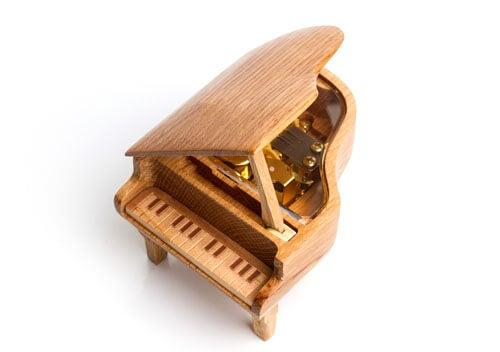 Esempio in legno di scatole musicali