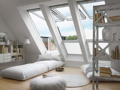 Attico con finestre verticali