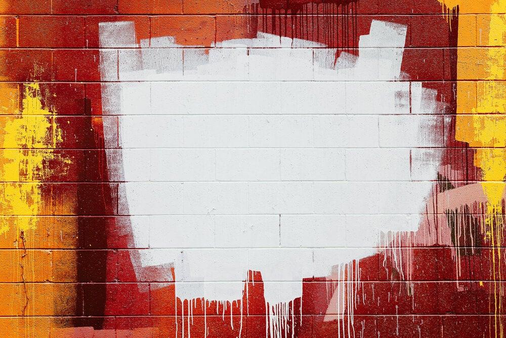 parete con pennellate casuali