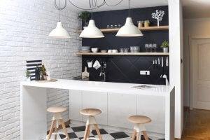 sgabello in cucina