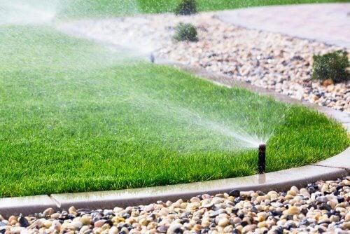 Sistemi di irrigazione automatici per il giardino