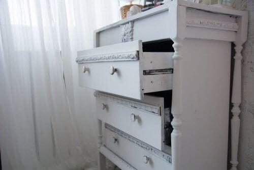 4 tipi di cassettiera per camere da letto di piccole dimensioni