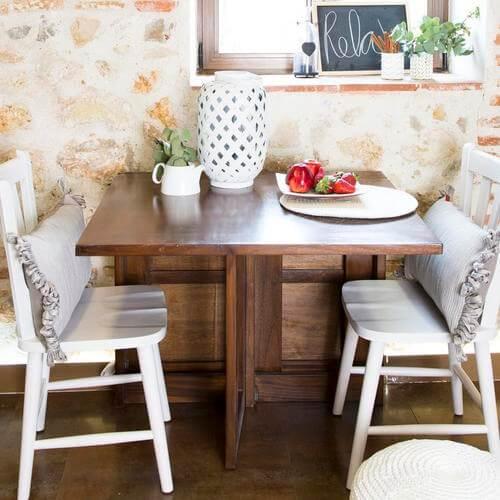 I tavoli ausiliari perfetti per risparmiare spazio