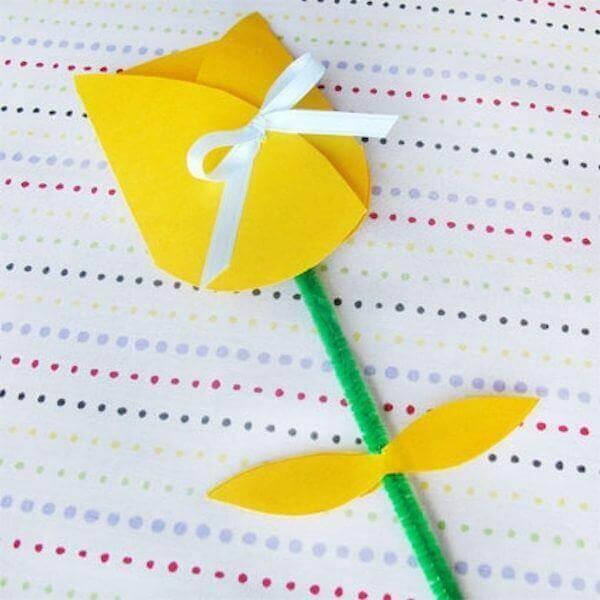 Invito di compleanno a forma di tulipano