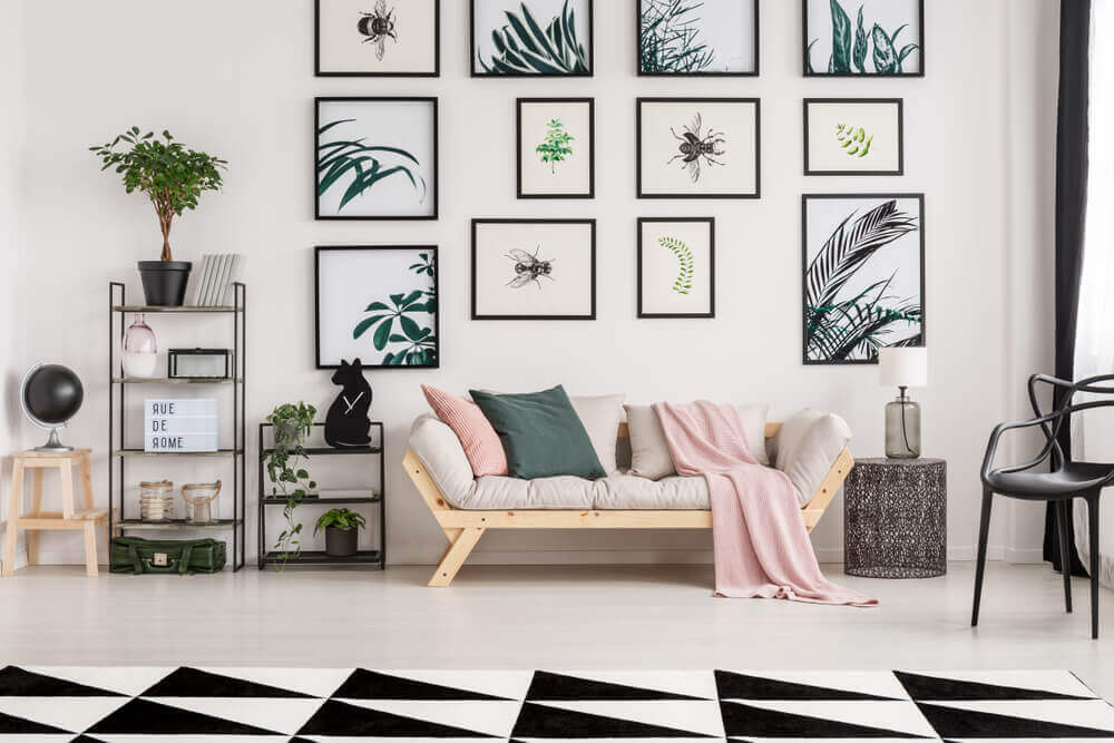 Parete con quadri
