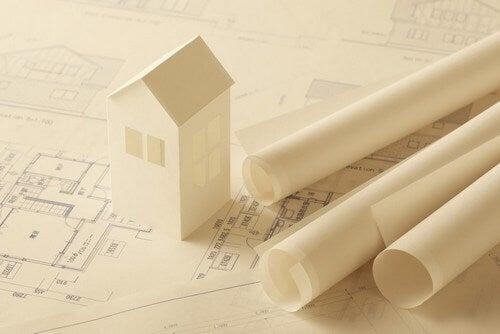 Ristrutturare casa da soli o con un professionista?