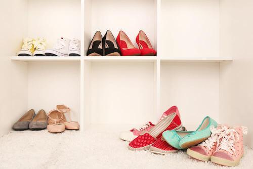 mensole per conservare bene le scarpe