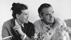 Ray e Charles Eames insieme in bianco e nero