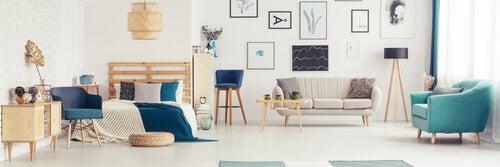 Raggiungere l'equilibrio decorativo con toni di blu