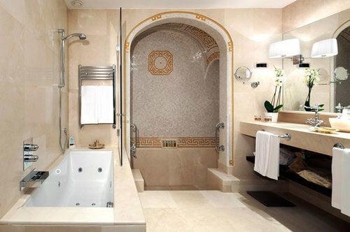 Bagno in stile romano