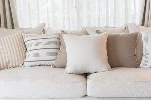 Cuscini in varie tonalità