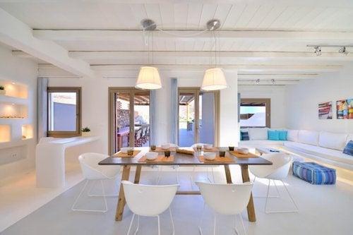 interni in bianco stile mediterraneo moderno