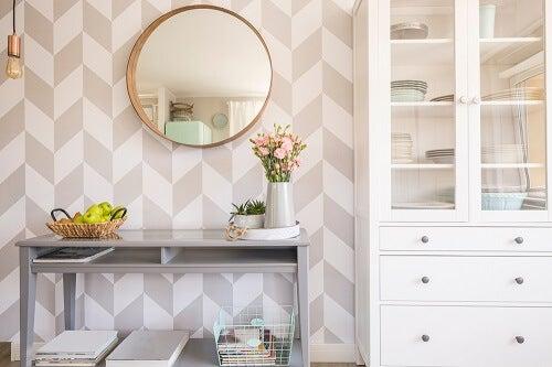Specchi rotondi: uno stile dinamico per il salotto