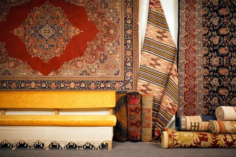 La moda dei tappeti persiani