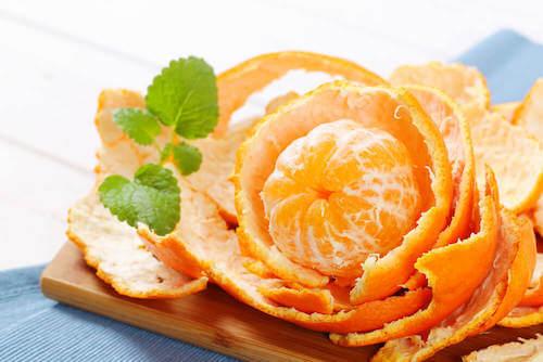Mandarino sbucciato come profumatore d'ambiente