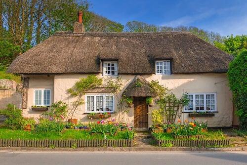 facciata casa di campagna in stile inglese