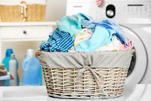 Zona lavanderia cesto per vestiti sporchi