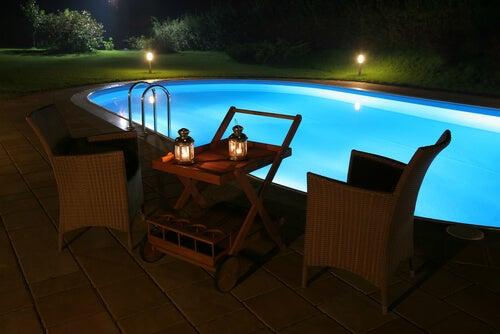Luci interne della piscina