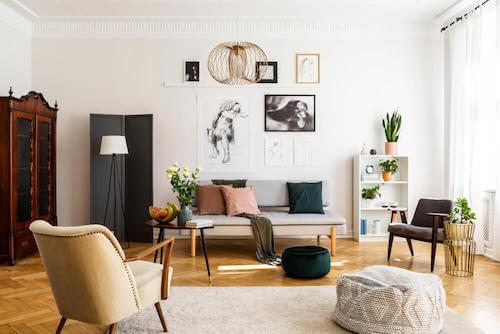 soggiorno con decorazione in stile vintage