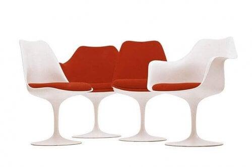 La sedia Tulip, unione tra semplicità e plasticità