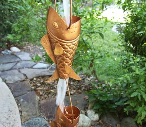 Catena della pioggia a forma di pesce