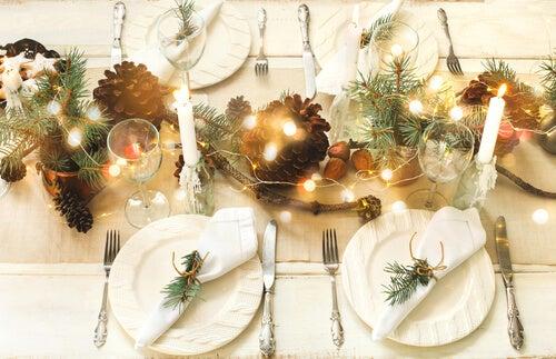 6 trucchi per presentare una tavola di Natale perfetta