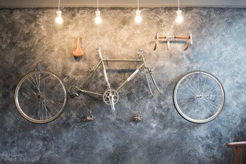 Idee per decorare casa con le ruote di bicicletta