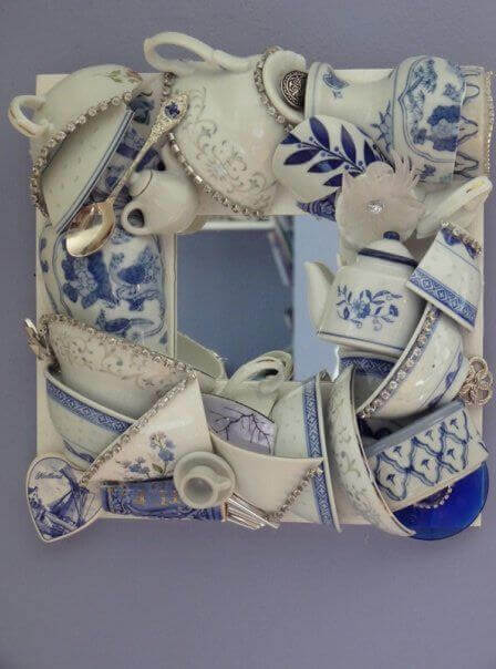 Mosaico con stoviglie rotte