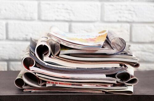 Mucchio di vecchie riviste