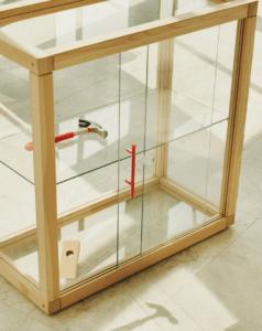 Vetrinetta in legno e vetro